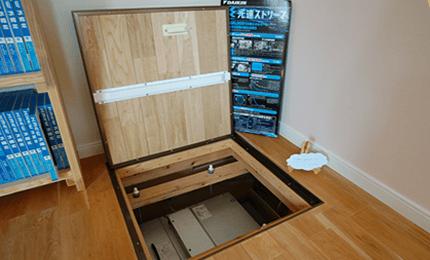 床下の第2種換気システムの舞台裏が確認できます。