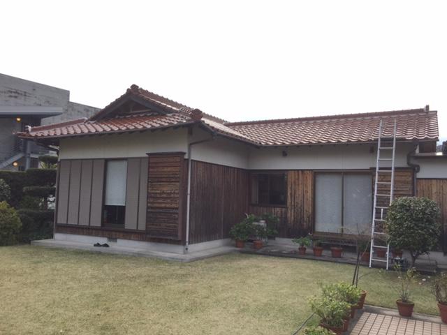 屋根修理。